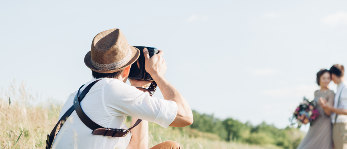 How to hire a professional wedding photographer? - Canvera Blog