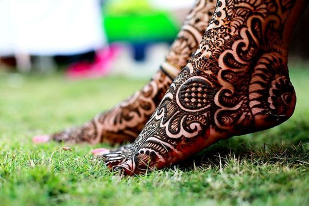 Unique and beautiful feet Mehndi Designs
